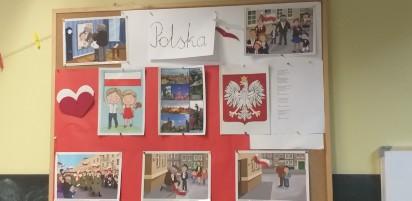 """""""Rekord dla Niepodległej"""": Dzieci z przedszkola w Witkowie zaśpiewały wspólnie hymn Polski"""