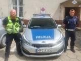 Było blisko tragedii. Policjanci wyważyli drzwi i ewakuowali małżeństwo z zadymionego mieszkania w Terespolu Pomorskim