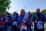 Nowy Sącz. Mieszkańcy ul. Zakładników wciąż protestują. Nie chcą sortowni odpadów [ZDJĘCIA]