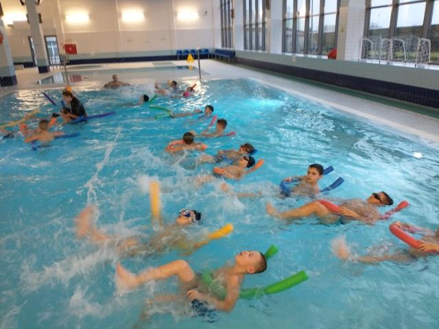 Zakończyła się kolejna edycja projektu Umiem Pływać na pływalni w Kowalewie Pomorskim, skierowanego do uczniów klas I-III