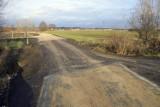 Serby: Nowa droga budzi wątpliwości. Czemu jest przerwana? Wszystko przez tory... których nie ma