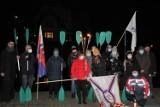 Kajakarze z Bydgoszczy symbolicznie pożegnali Olka Dobę. Brdą popłynął wieniec [zdjęcia]