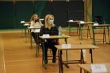 Zmiany na maturze 2021 i egzaminie 8-klasisty 2021. Zakres przedmiotowy egzaminów ograniczony o 20-30 proc.! Zmiany w arkuszach