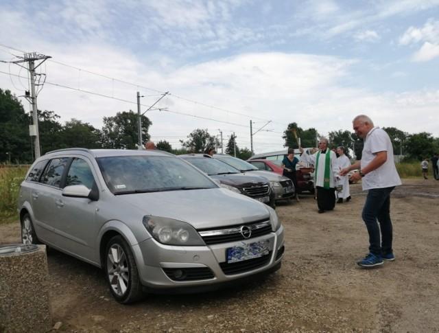 Święcenie pojazdów w parafii Trójcy Przenajświętszej w Tarnowie, na Terlikówce