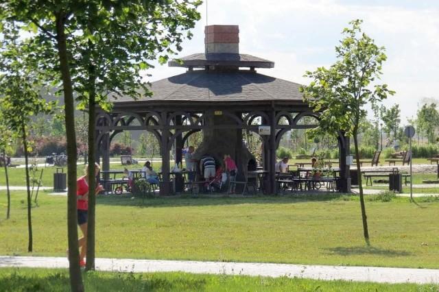 Grillowisko w nowej części inowrocławskiego parku Solankowego