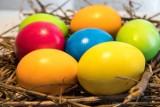 Jak zrobić pisanki? Pomysły na jajka wielkanocne. Jak szybko i łatwo przygotować pisanki