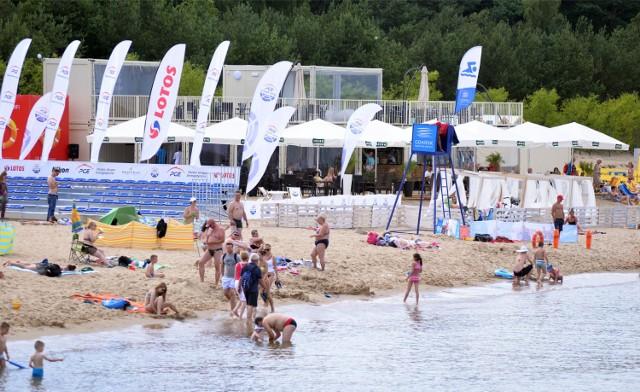 Oprócz plażowych gier zespołowych w tym miejscu codziennie odbywają się otwarte zajęcia m.in. zumby, jogi czy gra w frisbee