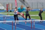 Inauguracja sportowa roku w Kaliszu. Kilkuset uczniów wystartowało w zawodach lekkoatletycznych. ZDJĘCIA, WYNIKI