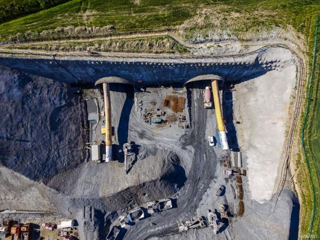 Lotnicze zdjęcia z budowy dolnośląskiego odcinka drogi ekspresowej S3