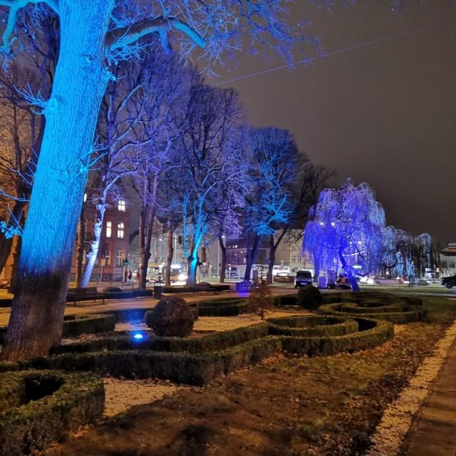 Nowe oświetlenie w parku przy ul. Sienkiewicza