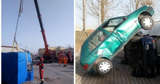 Strażacy w Świebodzinie ćwiczyli z wykorzystaniem ciężkiego sprzętu