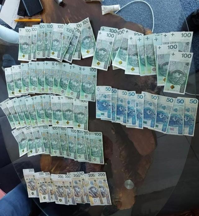Policjanci z Poznania zatrzymali 36-latkę i jej 41-letniego znajomego, którzy wynajmowali mieszkania prostytutkom.