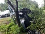 Samochody wypadły z jezdni! Doszło do dachowania! [zdjęcia]