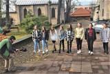 Nowatorski projekt promocji Olkusza, bo poprzez piosenkę wykonaną przez młodzież z lokalnych szkół. Posłuchajcie, jak śpiewają