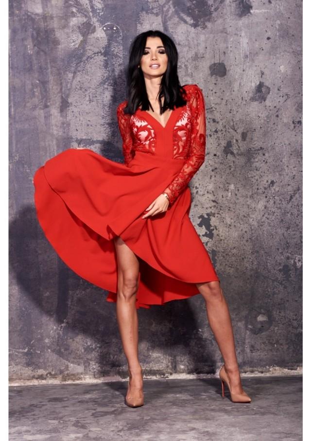 Sukienka z firmy Mosquito  Cena: 169,99 zł   Link do sukienki dostępy tutaj.