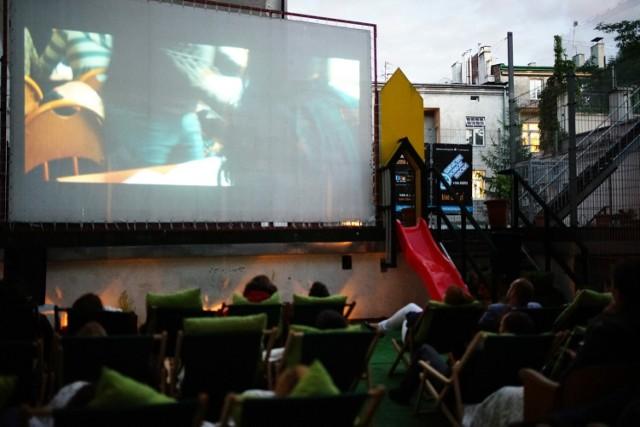 Przy finansowym wsparciu miasta zostaną zorganizowane plenerowe pokazy filmów w ramach takich projektów, jak np. Kino na Tarasie czy  Podgórskie plenerowe kino sąsiedzkie.