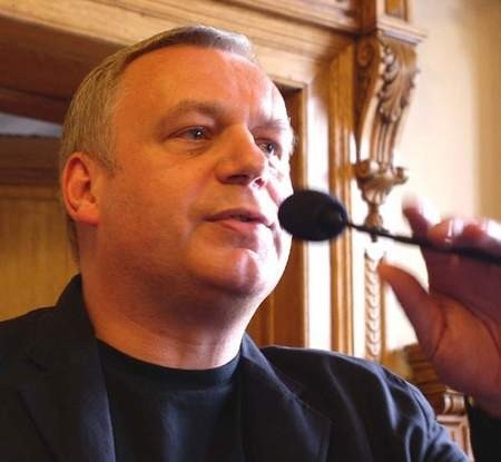 Dzisiaj Roman Gutek ma wytłumaczyć cieszyńskim radnym, dlaczego zerwał umowę z miastem.