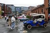Wystawa klasycznej motoryzacji. Tłumy miłośników zabytkowych pojazdów w Koneserze