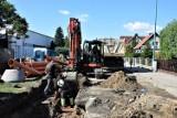 Zbąszyń ulica Sportowa. Trwa modernizacja nawierzchni i budowa kanalizacji deszczowej - 2.09.2021 [Zdjęcia]