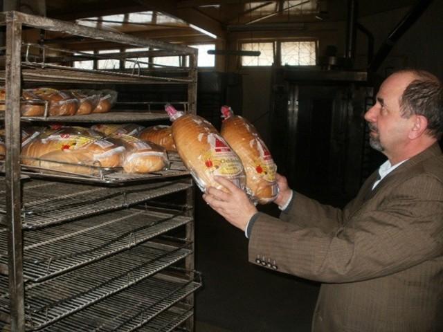 """-Musiałem zwolnić 70 procent pracowników - mówi Stanisław Pietrzak, właściciel piekarni """"KONBAG"""" w Koninie"""