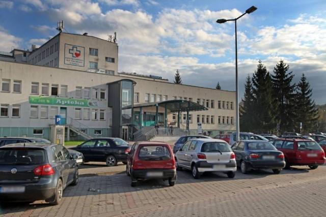 Odwiedziny chorych w gorlickim szpitalu wracają po ponad rocznej przerwie