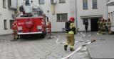 Pożar? Strażacy w akcji na terenie Komendy Powiatowej Policji w Żninie [zdjęcia]