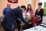 Twardogórzanka Stefania Kolczarek obchodziła setne urodziny. Były życzenia i urodzinowy tort!