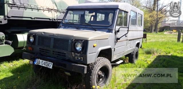 Regionalne oddziały Agencji Mienia Wojskowego organizują przetargi na auta ciężarowe, osobowe, autobusy. Zobacz wybrane pojazdy, jakie znalazły się we wrześniowej ofercie.