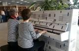 Białe pianino pojawiło się w Bibliotece Śląskiej ZDJĘCIA