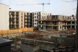 Kraków. Kosmiczne ceny mieszkań. Wzrost aż o 13 procent rok do roku. Dlaczego? Czy czekają nas dalsze podwyżki stawek? [RAPORT]