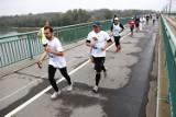 Bieg przez Most 2017. Biegłeś? Szukaj się na fotografiach! [ZDJĘCIA cz. 2]