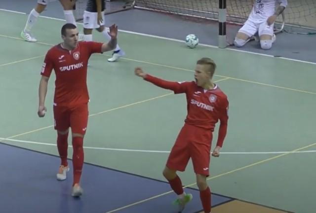 Radość Baklanowa po golu na 1:1