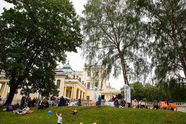 Spokojnie możecie piknikować w Parku Starym i Branickich, ale w tym ostatnim przypadku bez terenu dziedzińca wstępnego i salonu ogrodowego.