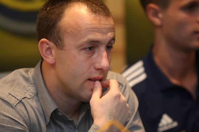 Choć trener Paweł Sikora jest zadowolony z gry swojego zespołu w sparingach, to jednak nadal dostrzega błędy, które należy wyeliminować.
