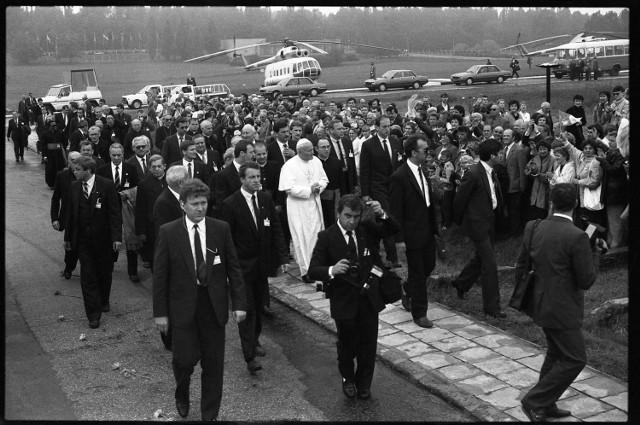 Był w byłym niemieckim obozie na Majdanku, w katedrze, na KUL i odprawił mszę dla tysięcy wiernych