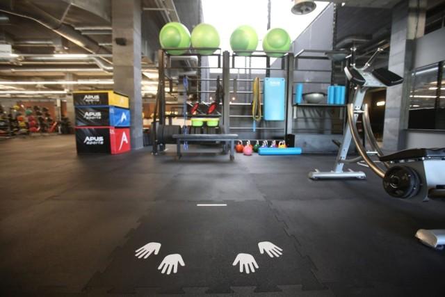 Pomimo ryzyka związanego z pandemią część osób wciąż chciałby móc ćwiczyć w siłowniach oraz klubach fitness