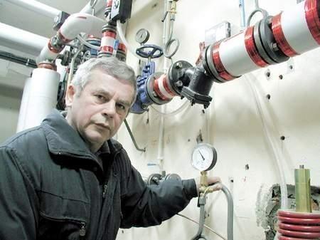 Kazimierz Jasionek po wybudowaniu węzła cieplnego udowodnił, że PWiK obciążało wspólnotę zawyżonymi fakturami w stosunku do zużytej wody.