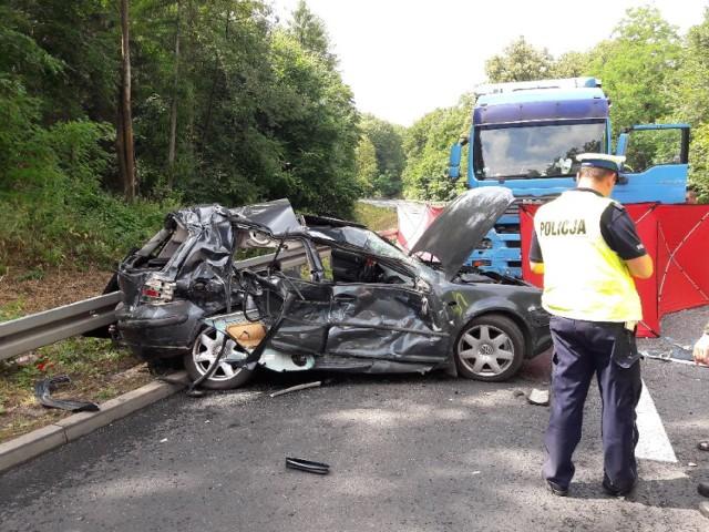 27-letni kierowca vw golfa zginął na miejscu