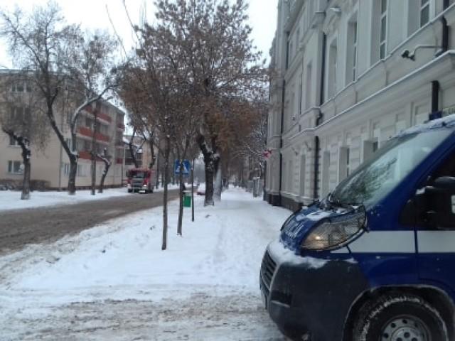 Chełm. Alarm bombowy w prokuraturze, trwa ewakuacja pracowników