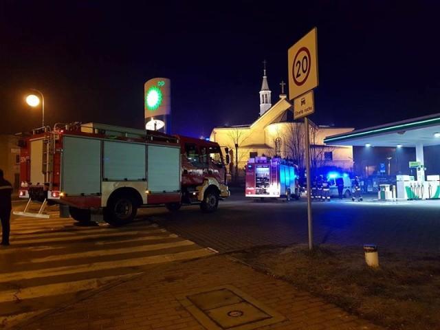 Stacja paliw BP w Lublińcu. Zdjęcie z interwencji strażaków 4 lutego 2018 roku.