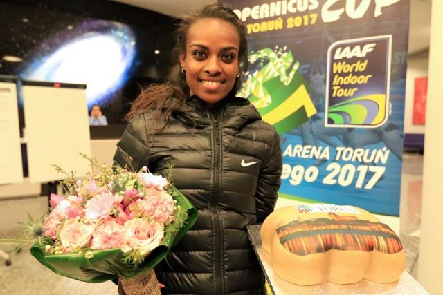 Wczoraj gwiazda Copernicus Cup Genzebe Dibaba obchodziła w Toruniu swoje 26 urodziny
