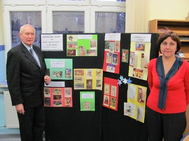 Andrzej Będkowski (prezes TPŻL) i Barbara Woźniak (wiceprezes TPŻL i zarazem bibliotekarka) zapraszają do obejrzenia miniwystawy