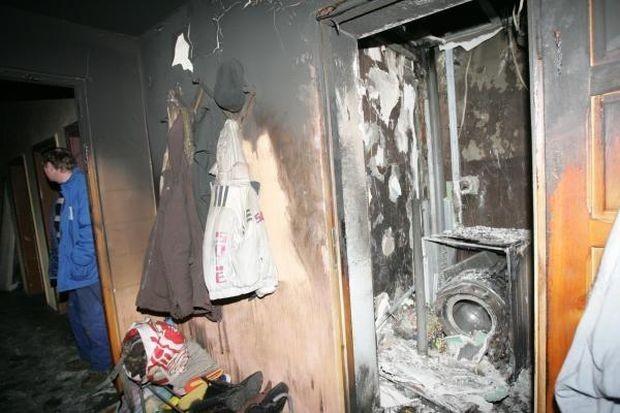 Skutki pożaru w mieszkaniu - zdjęcie ilustracyjne