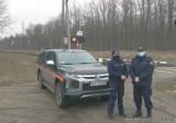 Policjanci i SOK kontrolowali tereny kolejowe w powiecie oleśnickim