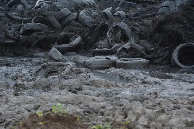 Najnowsze zdjęcia z miejsca pożaru - składowiska opon w Raciniewie