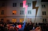 Emblemat Strajku Kobiet na... opłatkach wigilijnych. Warszawska klubokawiarnia wprowadzi je do swojej oferty