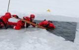 Nowy Tomyśl. Strażacy apelują - nie wchodźcie na lód!