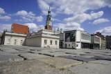 Poznań: Nie chcą likwidacji zabytkowego bruku na Starym Rynku. Apelują do prezydenta Poznania o zmianę decyzji