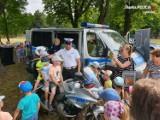 """Jak bezpiecznie spędzić urlop? W całej Polsce trwa akcja """"Kręci mnie bezpieczeństwo"""". Policja uruchomiła także aplikację i mapę zagrożeń"""