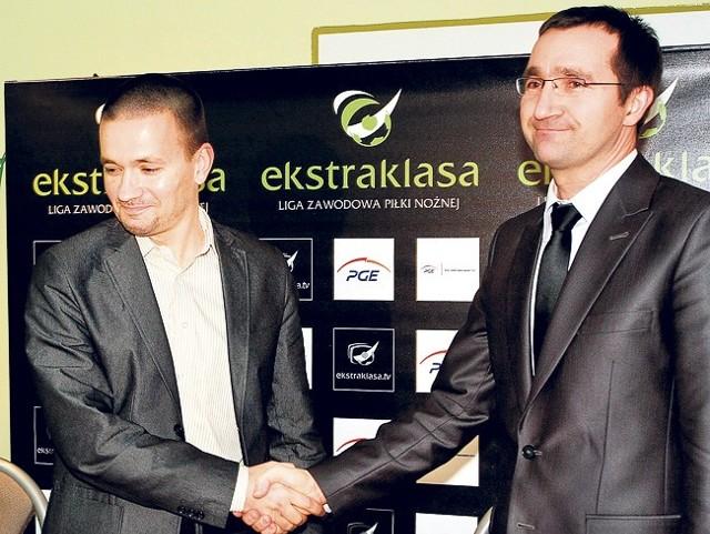Trener PGE GKS Rafał Ulatowski i prezes Andrzej Zalejski mają powody do zadowolenia